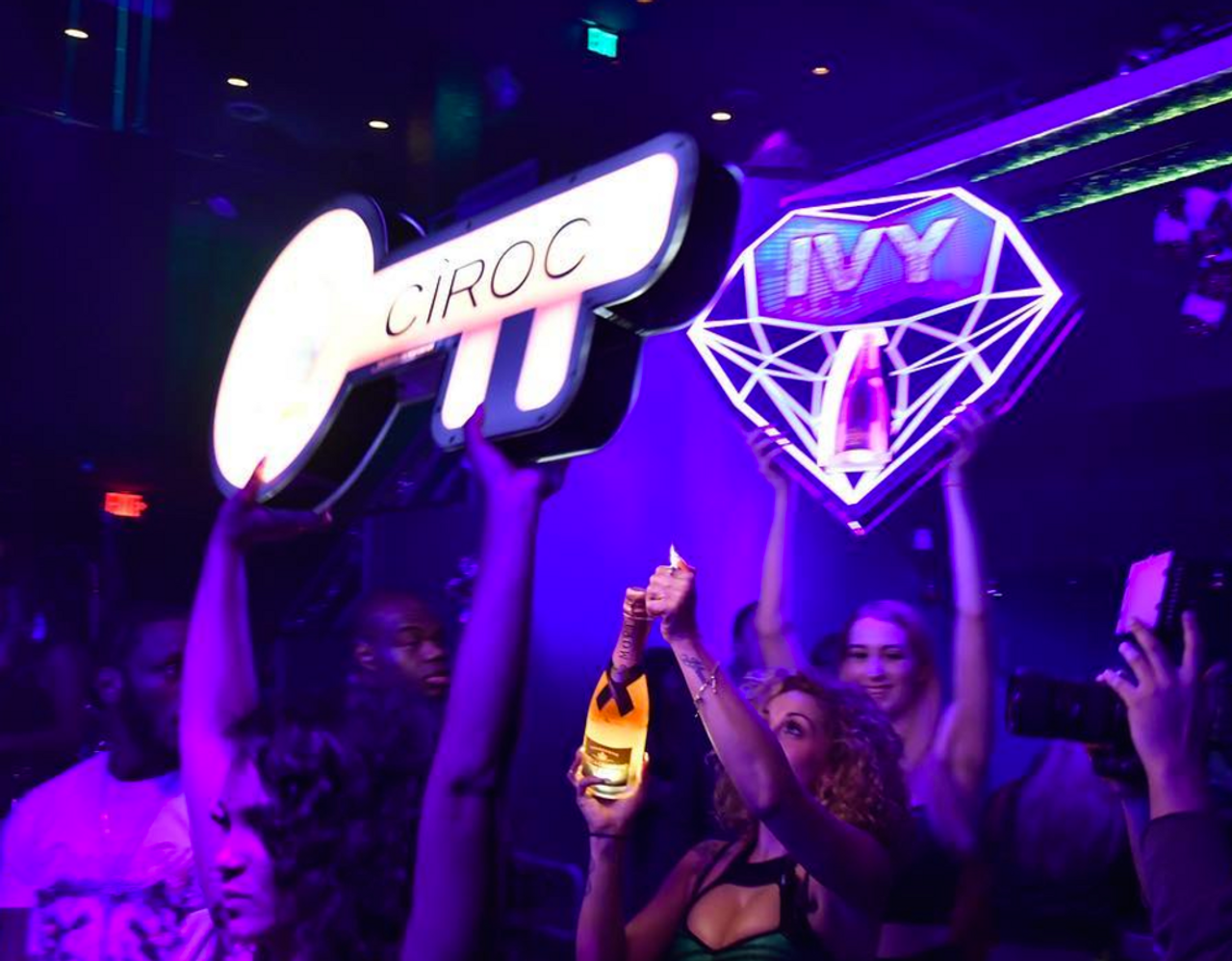 Nightclub and Bar show,NCBShow, Las Vegas,Miami,Diamond, Champagne,Bottle,service,caddie,caddy,presenter, carrier,holder,tray, LED, Light up, Bottles, VIP, Plaque,Shield,VIP tray