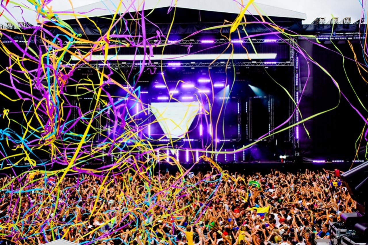 Festival, Event, Wedding, Nightclub, tour, stage, show, Confetti, system, launcher, blaster, gun