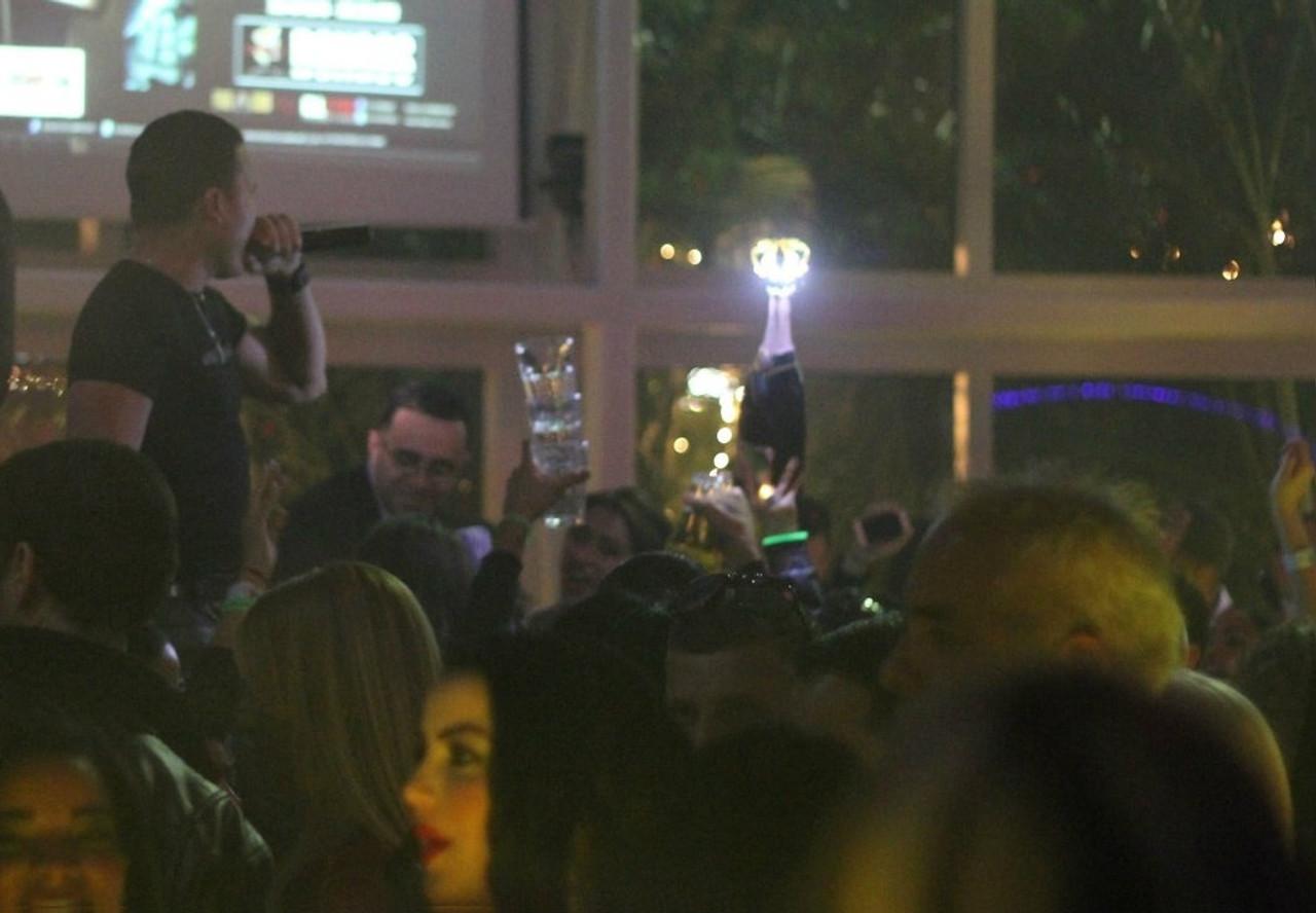 custom, moet, LED Crown, champagne crown, light, up, Bottle, Moet