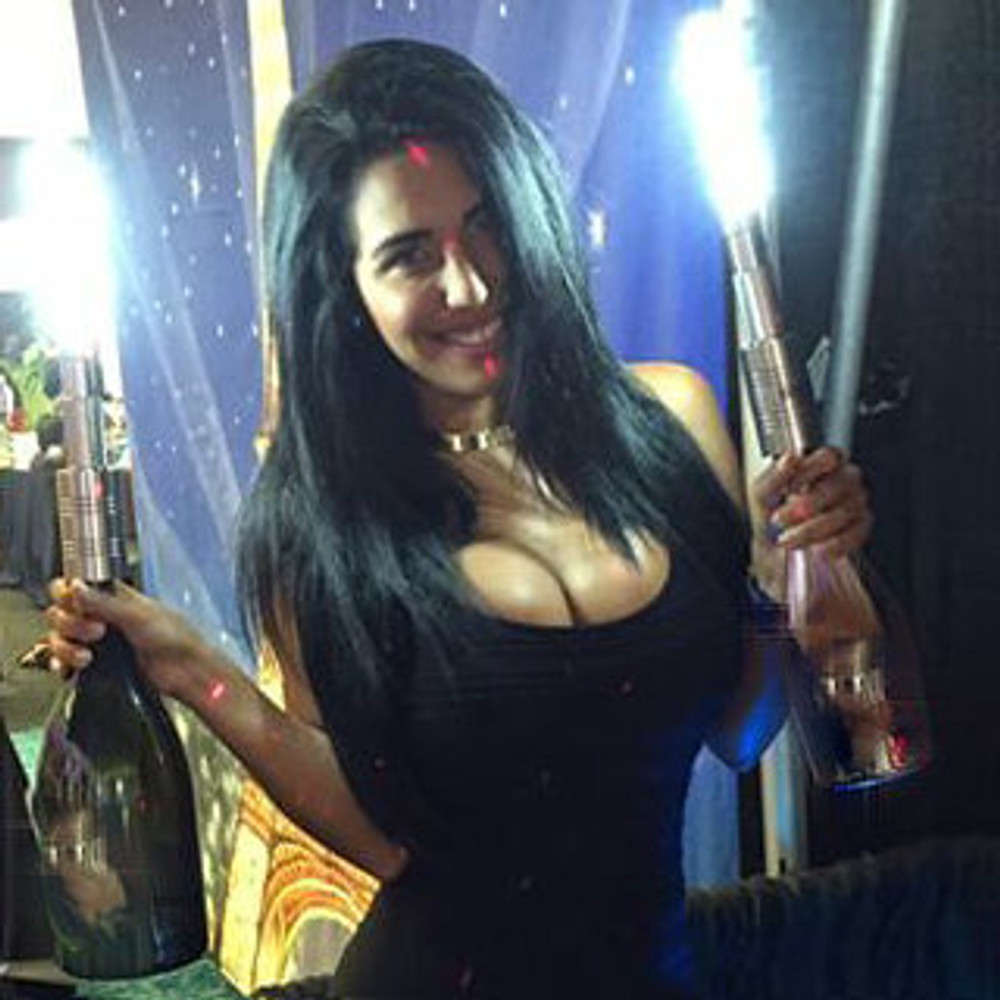 LED, Strobe, Baton, Bottle, Strobe,champagne,Bottle Service,delivery,Sparks,Flash,baton, Top, Topper, attachment,LED Sparkler, electronic, alternative,electronic sparkler,champagne bottle sparkler, champagne, liquor,flashing, light