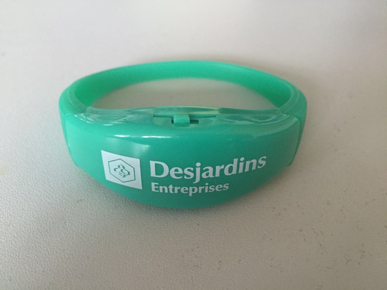 RFID, LED, WRISTBANDS, CrowdSync, festivals, conferences,  tours, RFID technology,  LED Wristbands, Custom, Logo, RGB, Remote control
