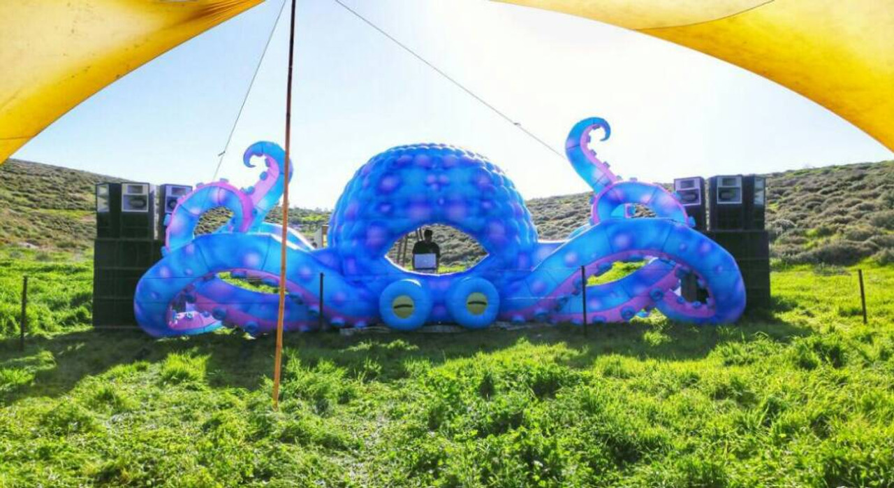 "Inflatable ""LED Octopus"" DJ Booth - 33' Foot"