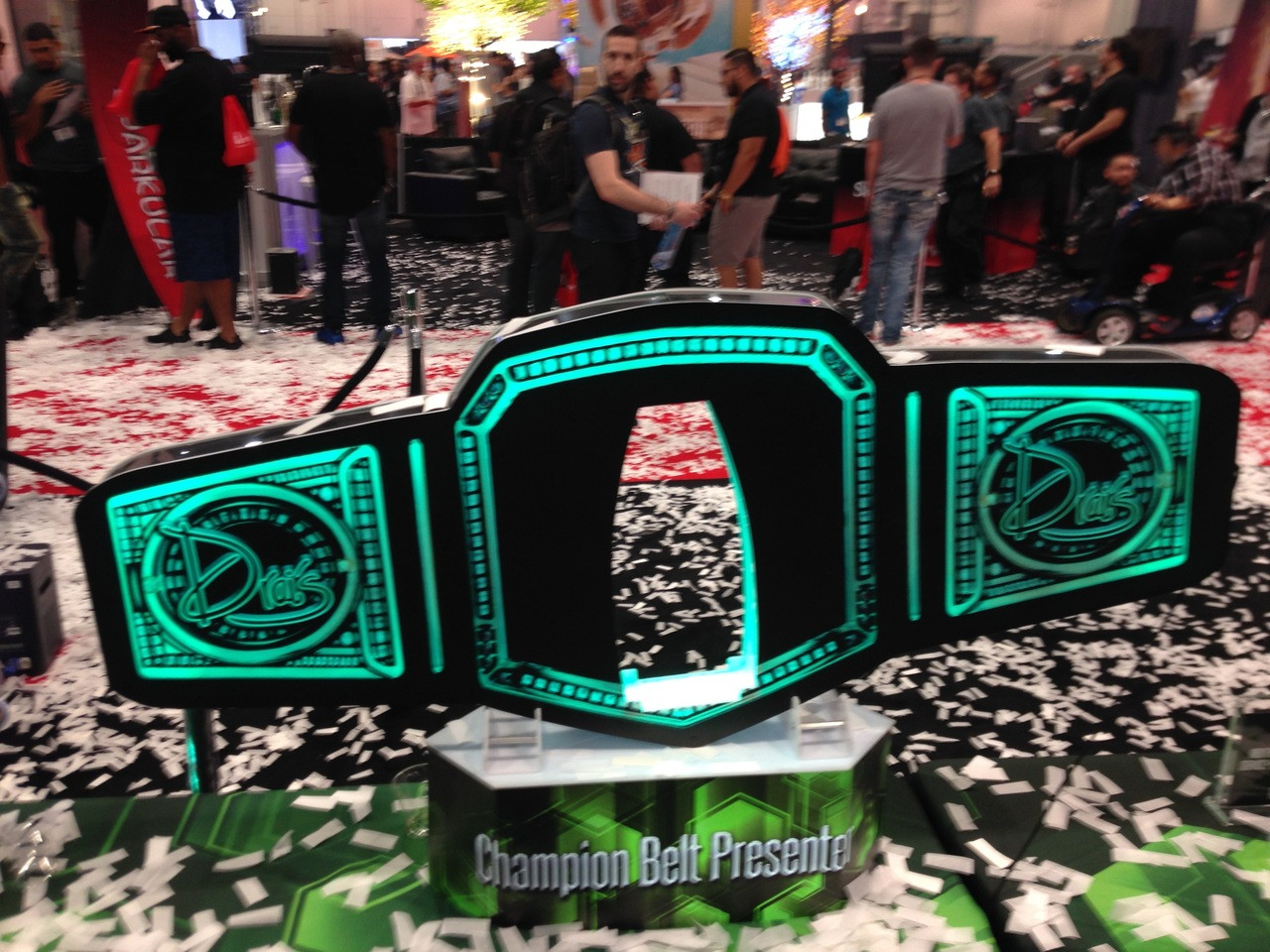 Drais, Nightclub and bar Show,NCBShow,Champ,champion,Championship,title,belt,LED,Champagne,Bottle,service,delivery,presenter,carrier,holder,caddy,tray,Custom,Made,Light Up,LED,LIV,Miami,Nightclubshop,VIP tray