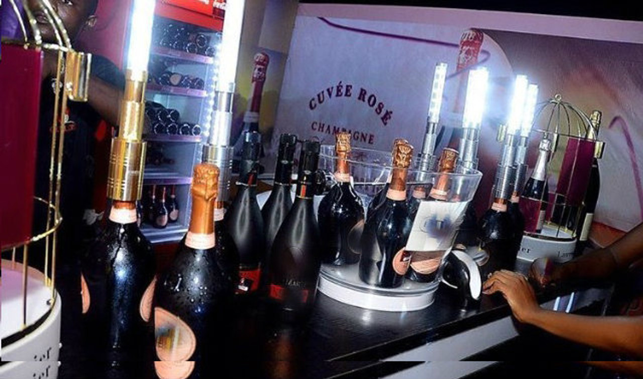 Bottle Baton, Bottle Topper, LED_Strobe, LED_Topper_electronic_Sparkler, LED_Sparkler, alternative