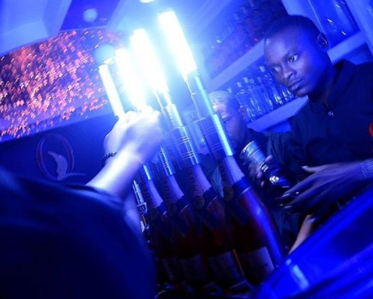 LED strobe, Bottle Baton, Flash wand, Bottle service, wand, topper, Strobe light , portable, adaptor,top ,champagne