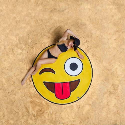 giant-gigantic-crazy-emoji-beach-blanket-pool-party-supplies-nightclub-shop-outdoors