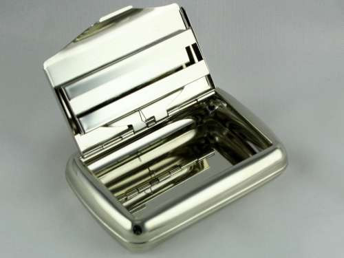 Lucienne Silver Waves Tobacco Box