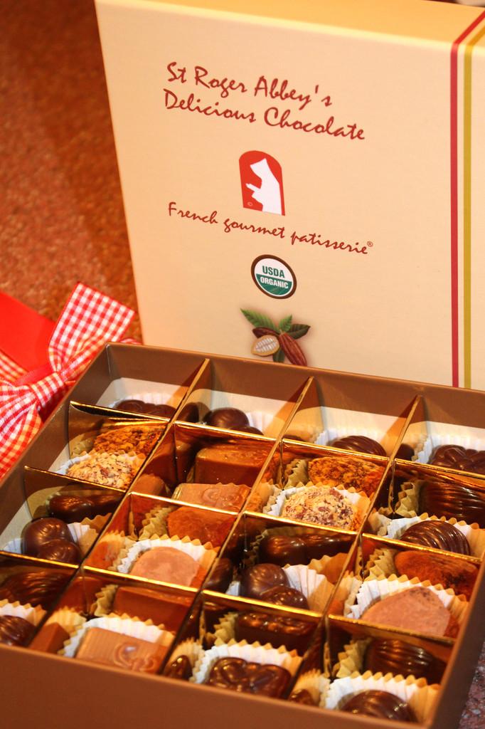 Organic Beige Chocolate Box