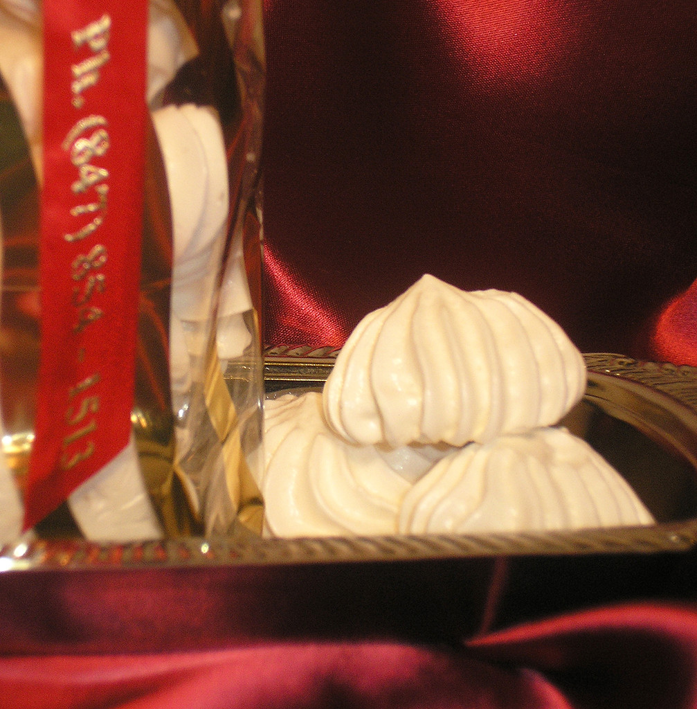 SHIPPING: FRENCH ORGANIC MERINGUES