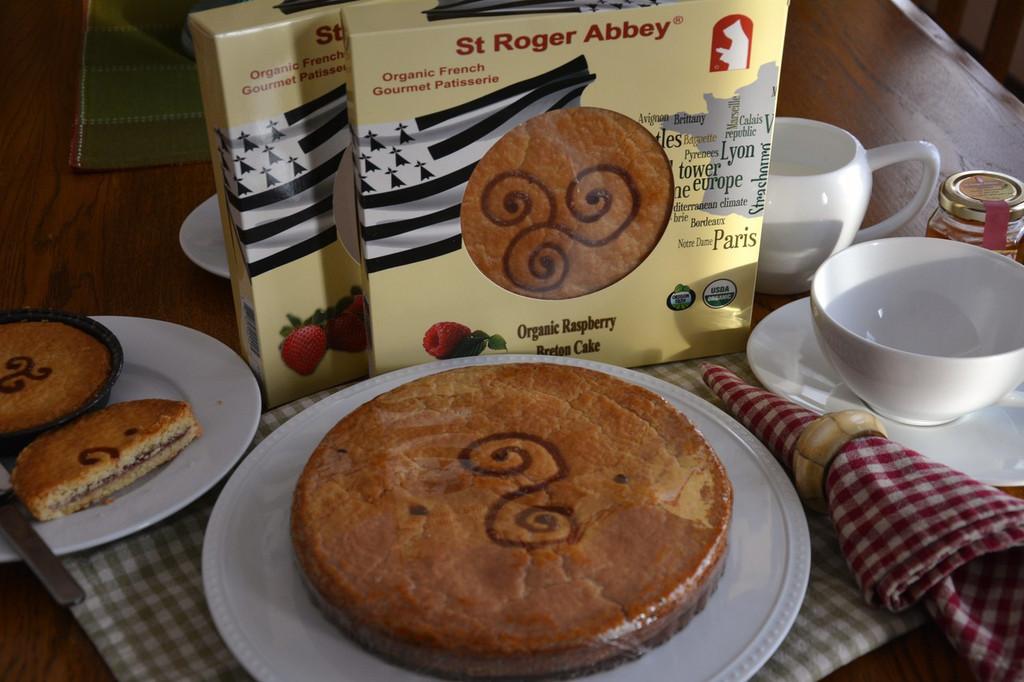 STORE-PICK-UP: ORGANIC RASPBERRY BRETON CAKE