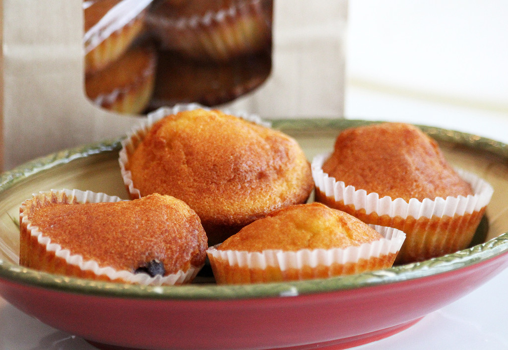 STORE-PICK-UP: Saint Anthony's Organic Muffins, Pick Style