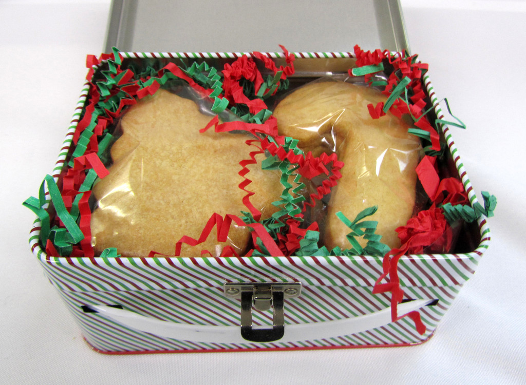 SHIPPING: Mini Suitcase of Organic Butter Cookies