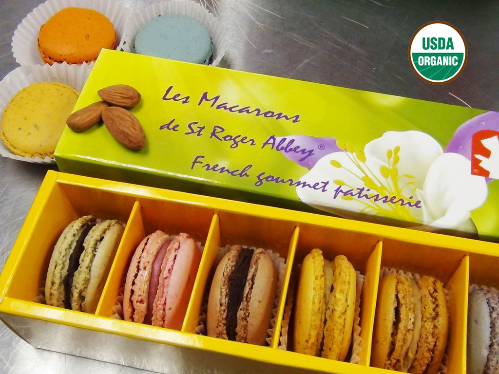 ORGANIC FLOWER FRENCH MACARON ASSORTMENT