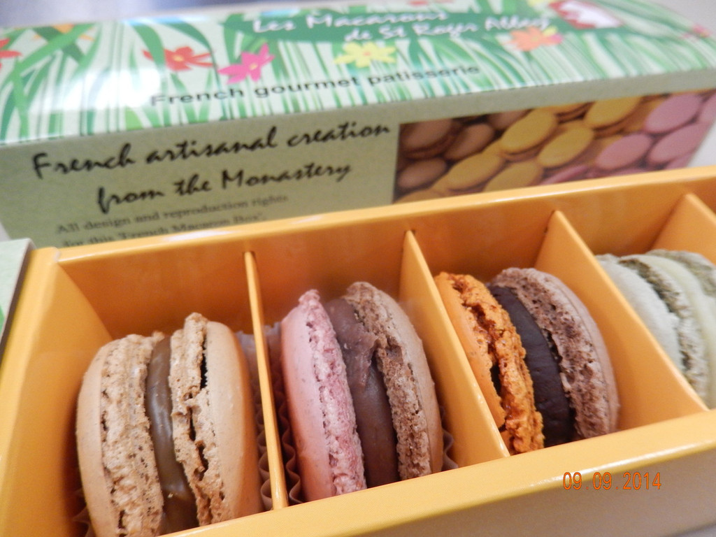 GREEN FASHION ORGANIC FRENCH MACARONS