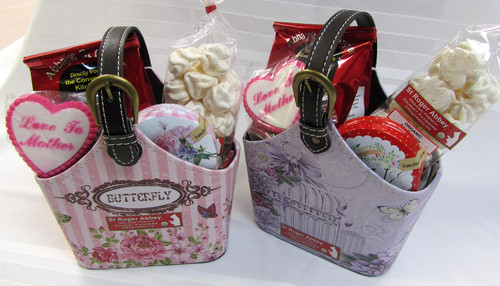 Treat your Mommy with this so cute basket.