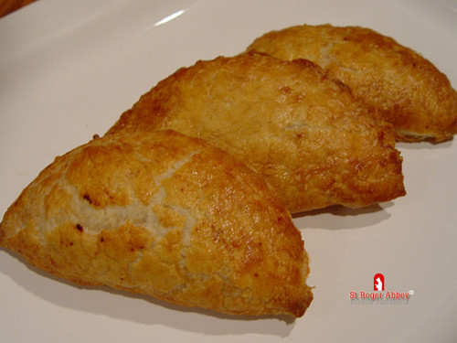 SHIPPING: APRICOT TURNOVER