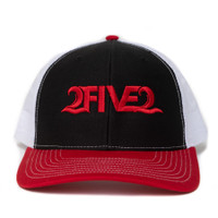 252 red black white hat