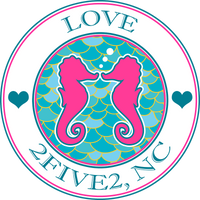 2five2 seahorse love sticker