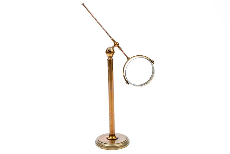Robson Maker English Magnifying Lens On A Brass Stand - Antique