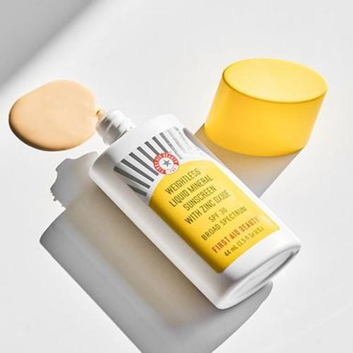 Weightless Liquid Mineral Sunscreen with Zinc Oxide SPF 30 texture
