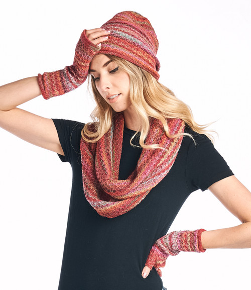 Saffron Infinity with gloves & hat