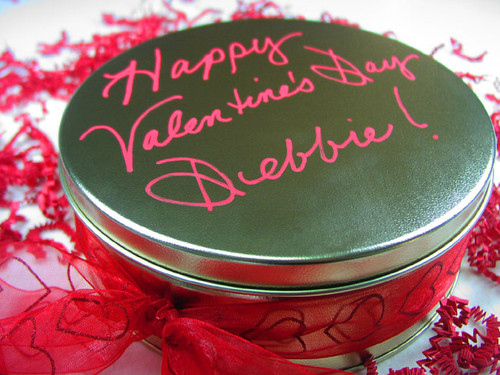 Delivery a memorable gourmet gift with this personalized tin!