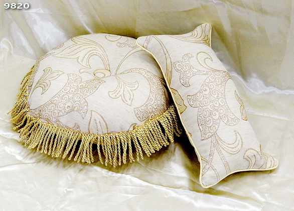 9820_Pillow_Round-Scallop(35116)