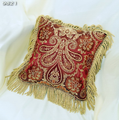 9821_DecorativePillow(HX116A)_GoldenRopeTrim(A-11605)