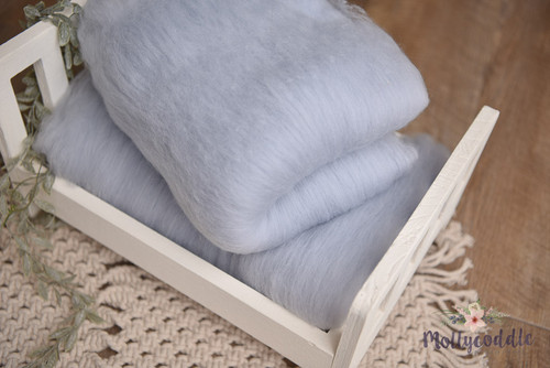 Merino wool cloud batt - fog