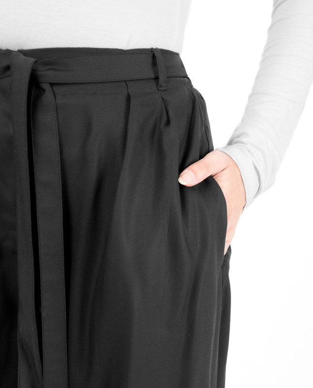 Black Invert Double Pleat Trouser