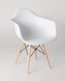 Replica Eames DAW Eiffel  Armchair - plastic, black steel, natural wood legs- various colours