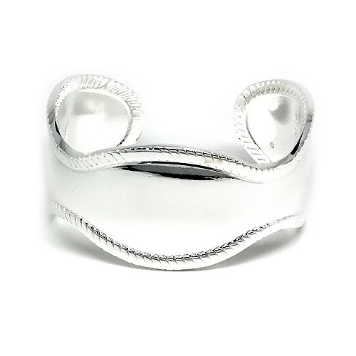925 Sterling Silver Antique Style Cuff Bangle with a High Polish Finish
