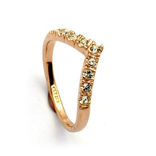 Rose-Gold Plated Ring with V-Arranged Crystal Accents
