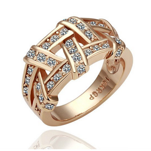 Rose-gold Plated Braided Fashion Ring