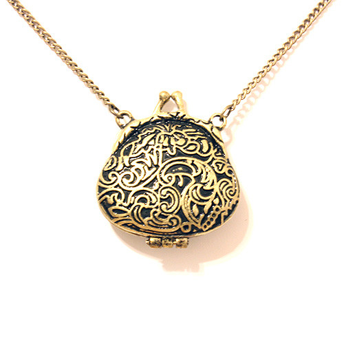 Beautiful Antique Engraved Locket Pendant Sweater Necklace for Women