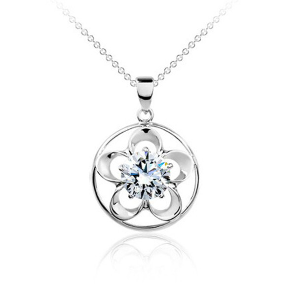 925 Sterling Silver 5 Leaf Clover Round Pendant,  Cubic Zirconia Free Chain