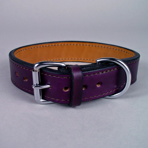 Strong leather dog collar in purple.