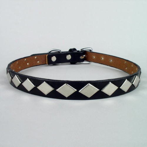 "This photo is of a 3/4"" wide diamond touch dog collar.  The 1 1/4"" wide dog collars will have the same size studs but the leather will be wider."