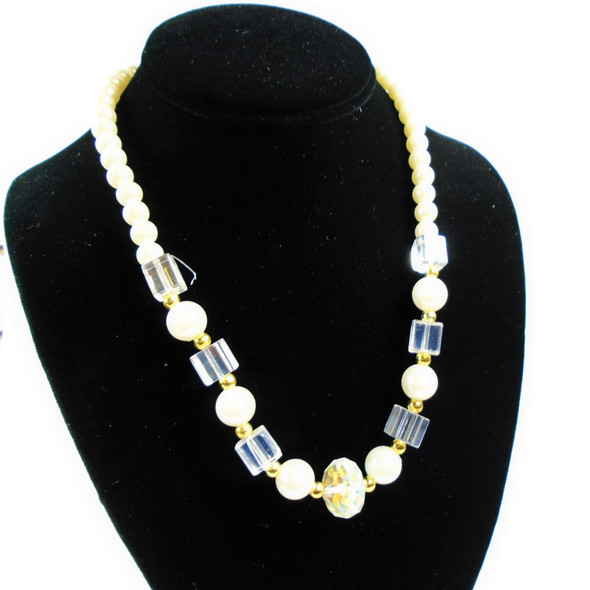 """18"""" Pearl  &  Square Glass Bead Fashion Necklaces .56 each"""