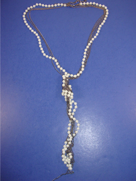 """40"""" Fashionable Silver & Pearl Necklace w/ Twisted Bottom .40"""