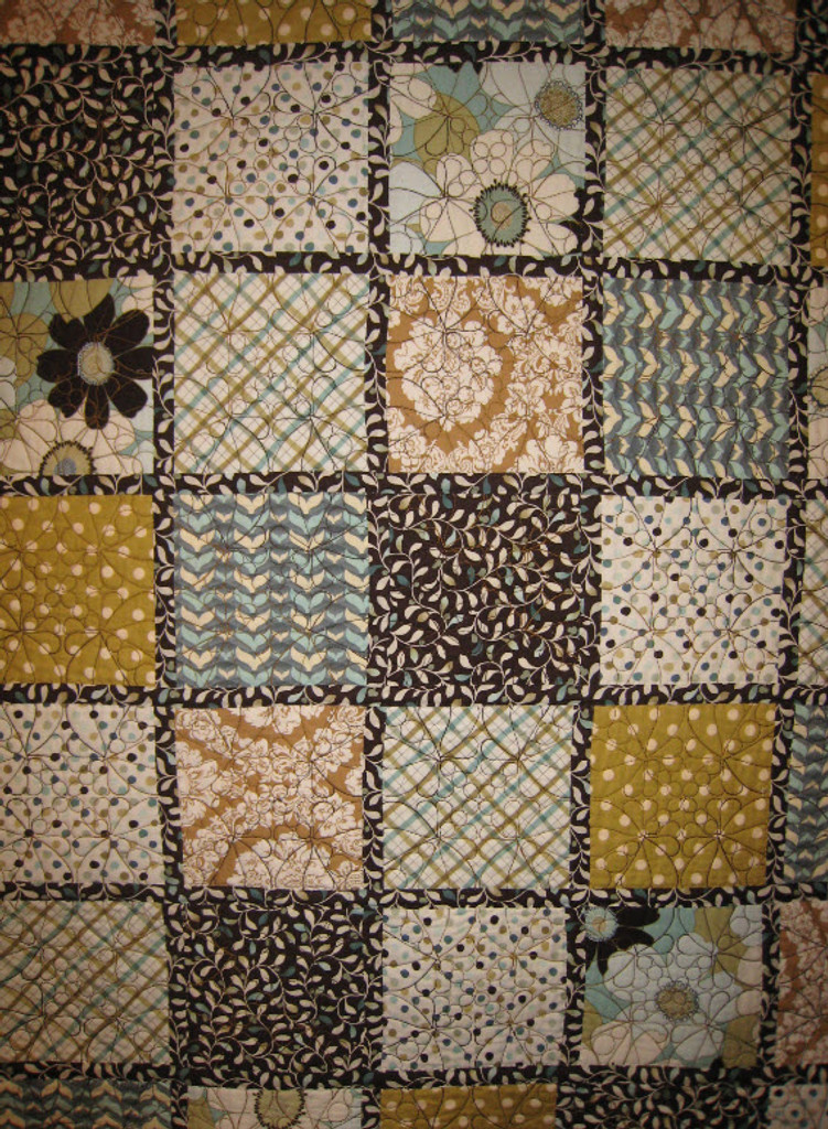 Here is the back of the Alayna Quilt included on Raising Daisies!