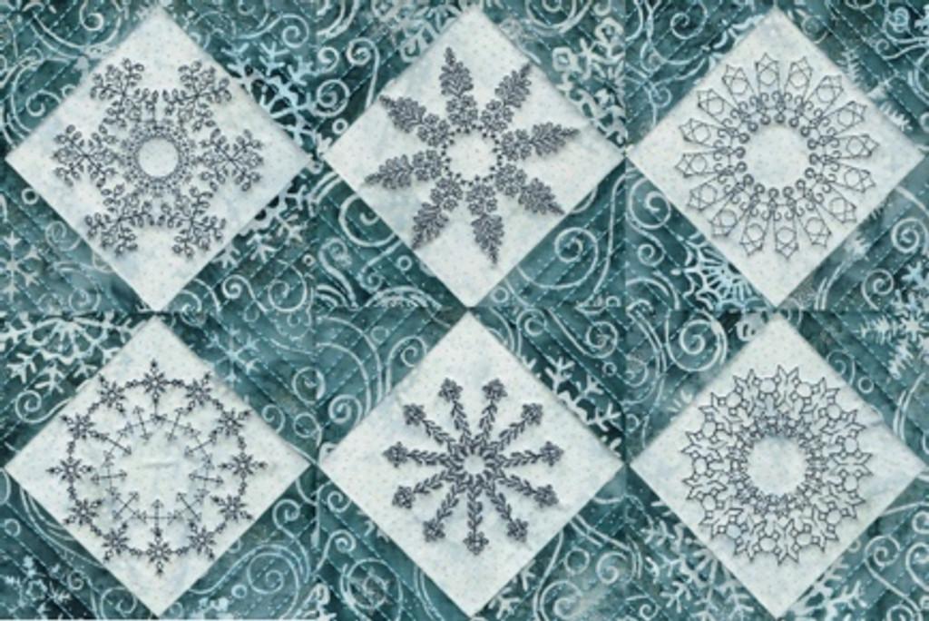Christmas in July: Snowflakes + 5 yds Batt