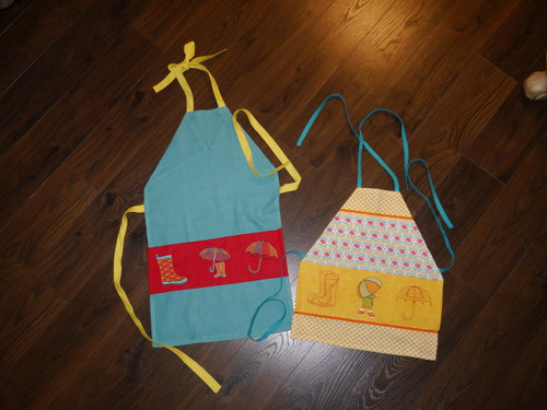 Kitchen towel Aprons, slideshow provided with directions.