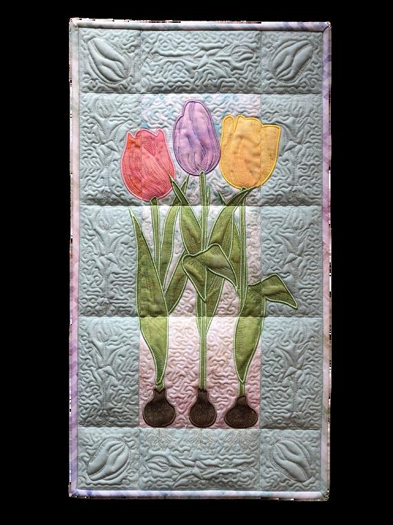 Tulips Wall Hanging CD + 5yds Batt