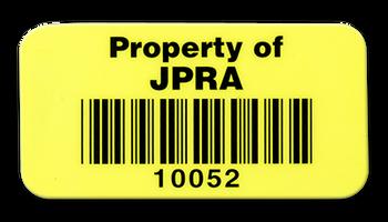 Ejemplo de Label de Inventario 1.5 x2 en Vinyl Amarillo con Barcode - Producto solo incluye barcode y numero consecutivo; Texto y Esquinas Redondas disponibles por un costo adicional.