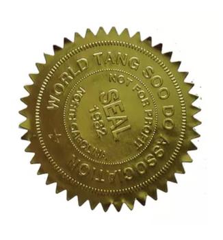 Ejemplo de sello dorado ponchado con sello seco.