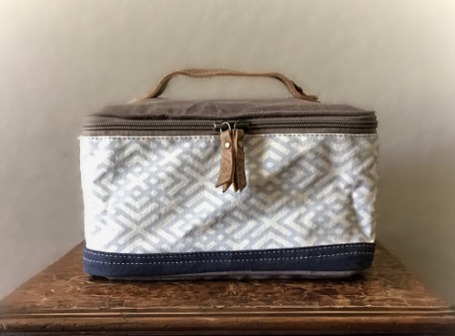 X Design Shaving Kit Bag