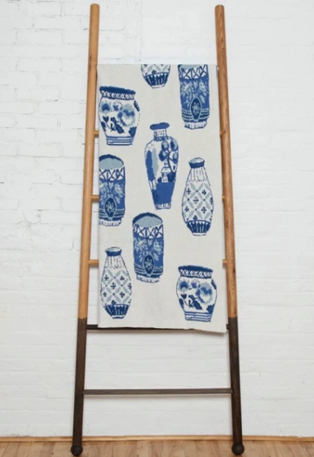 Throw In2Green Delft Blue And White Classic Blanket*