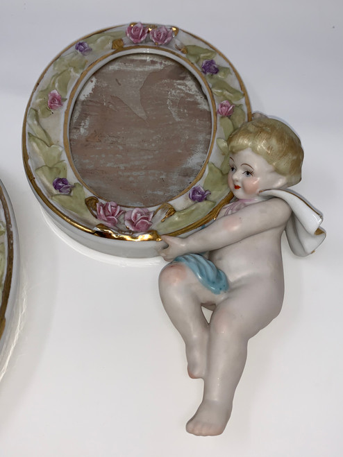 Vintage Left Facing Cherub With Mirror