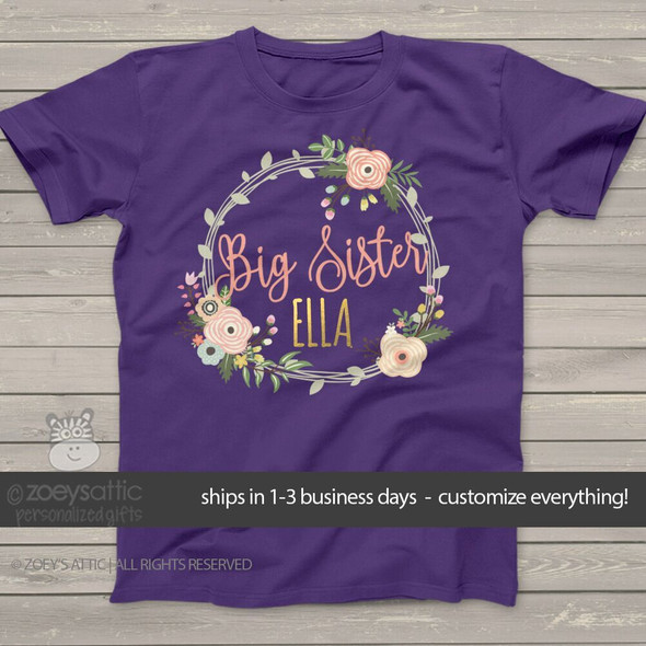 Big sister flower wreath gold foil name DARK Tshirt